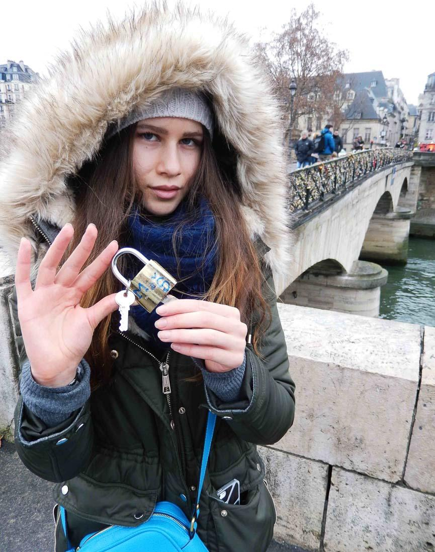 spela horvat paris love 7